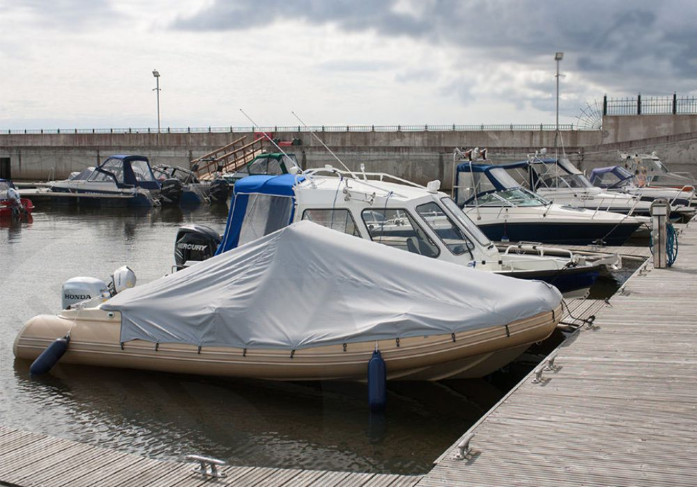 стояночный тент на надувной лодке